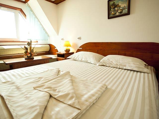 Dormitor mare hotel plutitor